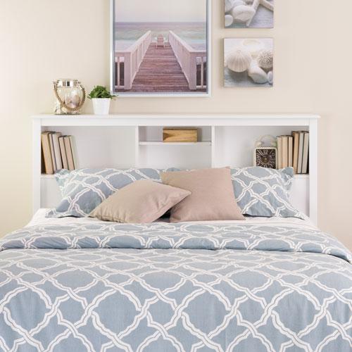 7-Inspirasi-Desain-Headboard-Buat-Kamar-Tidur-Tampil-Menawan-rak-buku