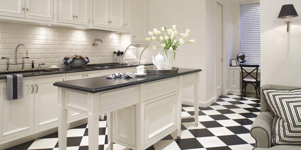 7-Inspirasi-Dapur-Terlihat-Klasik-dengan-Hitam-dan-Putih-catur