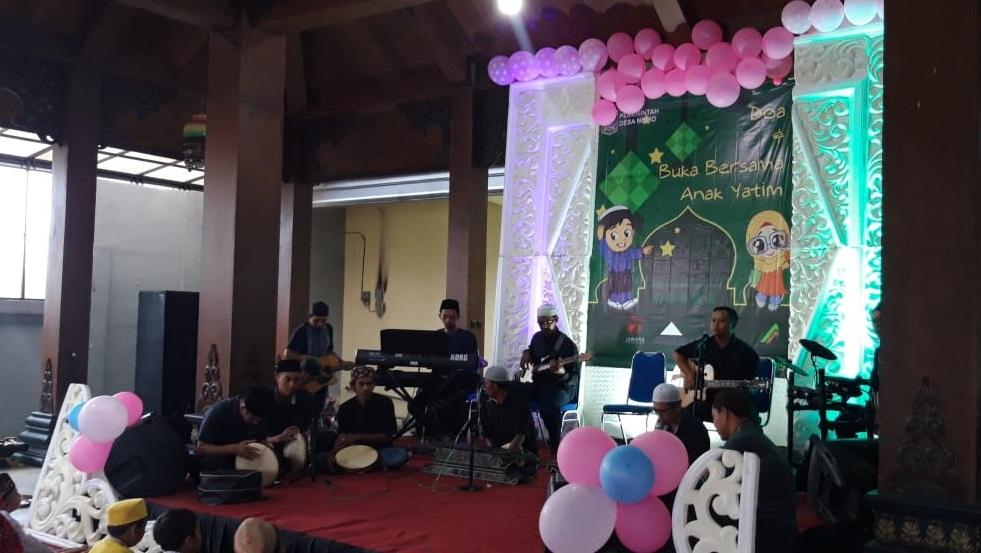 Jawara Corporation Menyantuni Anak Yatim dan Piatu di Balai Desa Ngijo
