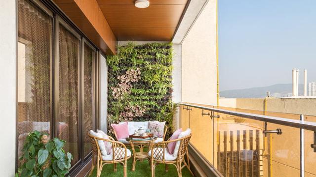 7-Ide-Dekorasi-Balkon-Paling-Romantis-7