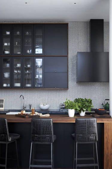 7-Inspirasi-Dapur-Terlihat-Klasik-dengan-Hitam-dan-Putih-natural