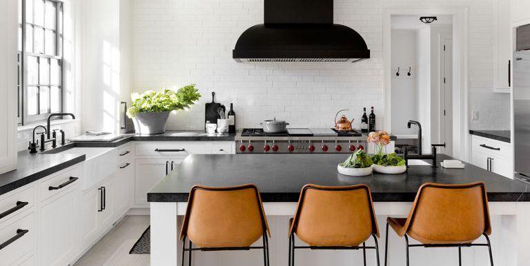 7-Inspirasi-Dapur-Terlihat-Klasik-dengan-Hitam-dan-Putih-santai