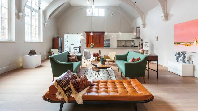 Inspirasi-Furniture-Ruang-Tamu-untuk-Berbagai-Gaya-Dekorasi-eklektik2