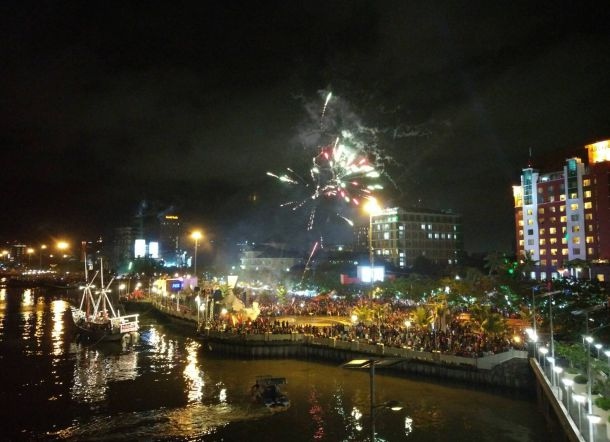 Pusat Perayaan Malam Tahun Baru 2019 di Berbagai Kota di Indonesia Paling Spektakuler