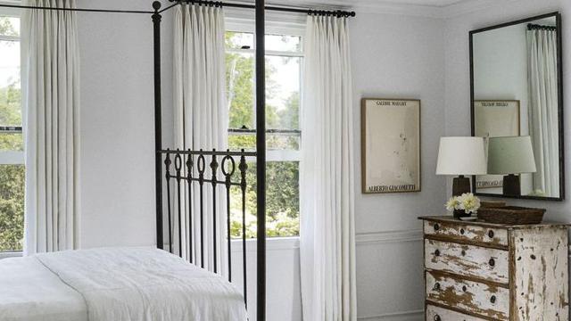 10-Tips-Membuat-Kamar-Tidur-Tampil-Lebih-Stylish-cermin