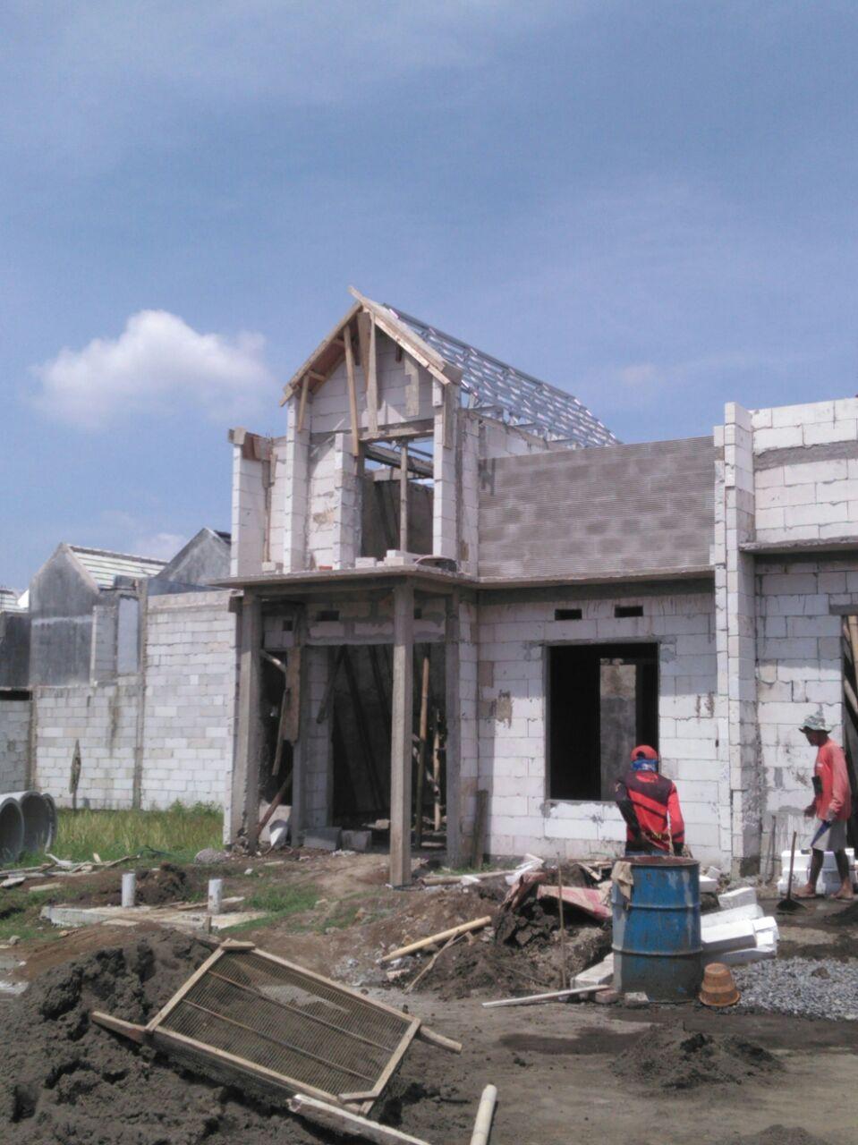 Gambar pengerjaan rangka atap
